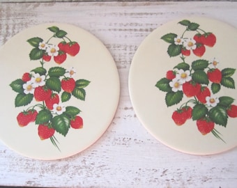 Two vintage strawberry trivets hanging kitchen ware country decor farmhouse decor Hyalyn USA