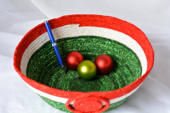 Sale....  Holiday Decoration, Handmade Holiday Bowl, Christmas Decoration, Homemade Christmas Candy Bowl,  hand coiled fabric basket