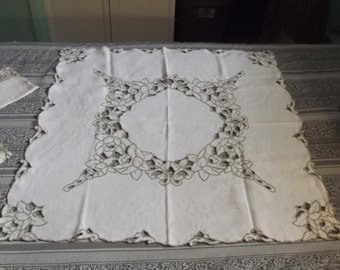 Vintage Linen Cut Work Embroidered Table Cloth