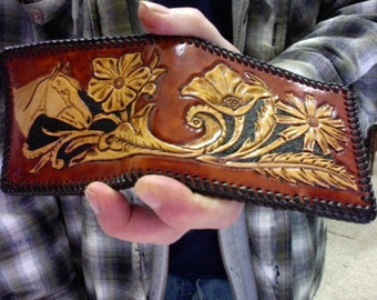 Wallet / Men / Horse / Western Wallet / Hand Carved and Tooled  / Leather / Custom / Cowboy / Bifold / Mans Wallet / Horse / Flowers / Man