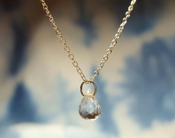 April Birthstone Necklace Quartz Necklace Womens Gift for Her Gift for Women Clear Quartz Jewelry Crystal Quartz Pendant Delicate Necklace