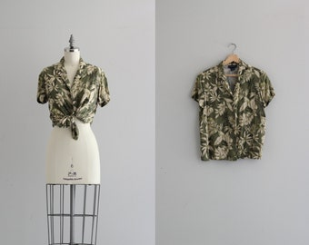 Vintage Hawaiian Shirt . Green Leaf Print Womens Blouse . 70s Shirt