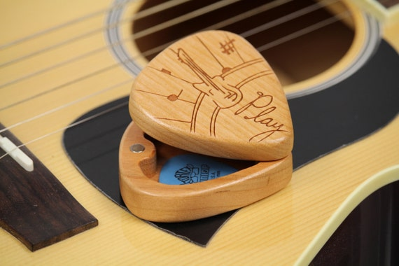 "Play Pattern Guitar Pick Box, 2-1/4"" x 2"" x 1d"", Pattern G38 slender, Solid Cherrywood, Laser Engraved, Paul Szewc"
