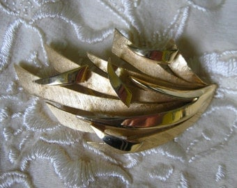 Trifari Modern Gold Abstract Brooch