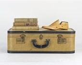 Vintage Tweed Suitcase, Mid Century Suitcase, Vintage Suitcase, Old Suitcase, Luggage, Old Luggage, Vintage Luggage, Antique Suitcase