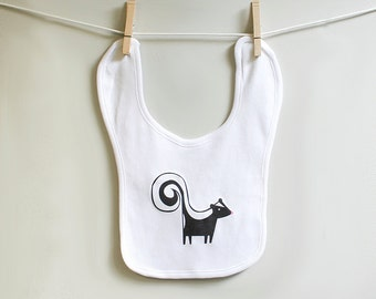 Baby burp bib, skunk