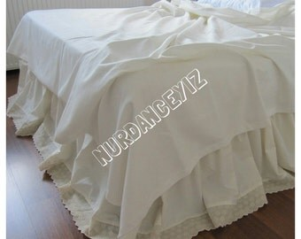 Eyelet dust ruffle-bedskirt scalloped edge lace trim Solid Ecru ivory cream white King QUEEN 18 20 22 inch drop Dust ruffle bed skirt cover