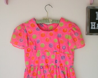 1960s SWIRL Mod School Girl Dress..size 10 12 girls...children. kids. girls. disco. vintage handmade. pink girls dress. large kids. scooter