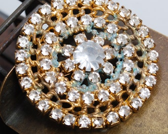 Vintage brass brooch, with glass rhinestones (IL)
