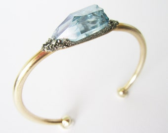 Boho Chic Bracelet // Aqua Aura Blue Quartz and Pyrite Minerals//Healing Stones