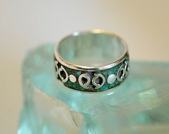 Vintage Sterling Silver & Inlaid Turquoise Hand Crafted Men's Ring .. Size 13.5 (#84)