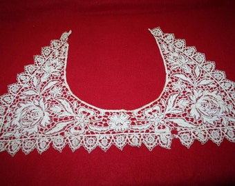 Vintage Embroidered  Lace Collar
