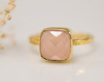 SALE - Pink Chalcedony Ring Gold - Rose Pink Ring - Solitaire Ring - October Ring - Gemstone Ring - Stacking Ring - Cushion Cut Ring