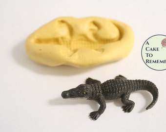 "Alligator mold for fondant, 3"" long silicone mold, 3D standing alligator for cakes, cupcake decorating, jungle or zoo birthday party M5066"