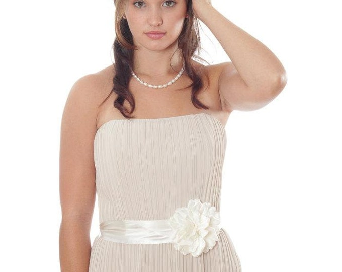Wedding Belt Sash - Ivory Hand-Cut Flower On Hand-Dyed Silk Ribbon Belt - Off-White Cream Ombre - One of a Kind - 1000253