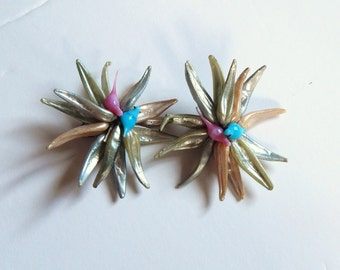 Vintage Earrings - Clip Earrings - Made in France Earrings - Pink Aqua - Bird Shell Earrings