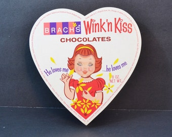 """Vintage Brachs Wink 'n Kiss Girl Valentine Heart Candy Chocolate Box Lenticular Image Red White Yellow """"He Loves Me"""" 1960's"""