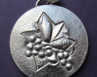 Violets Louis Leygue French Silver Paris Mint Art Medal Pendant Dated 1978   SS394