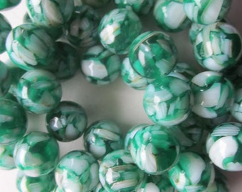 Green Mother of Pearl and Resin Round Beads 14mm 14 Beads