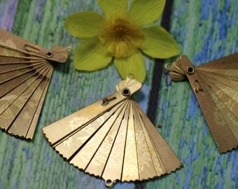 1 Vintage Brass Miniature Moving Fan