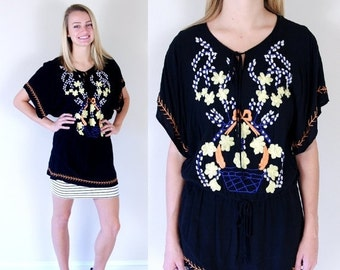 vtg 90s black EMBROIDERED FLOWER Mexican TUNIC Medium neck tie ethnic Oaxacan blouse top shirt boho hippie rayon festival