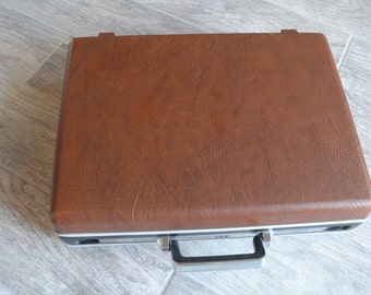 Vintage Samsonite Omega Briefcase- Check out all of our Vintage Cases
