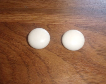 vintage clip on earrings white lucite circles