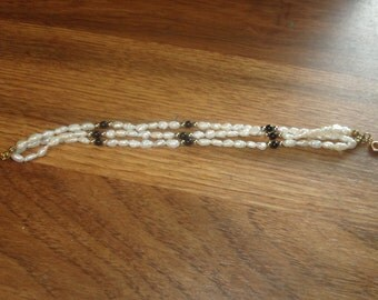 vintage bracelet triple strand seed pearls