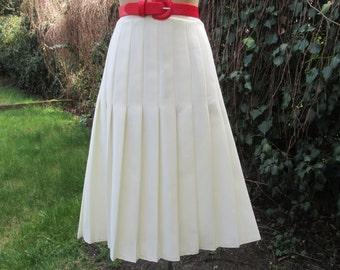 White Pleated Skirt Vintage / Size EUR44 / UK16 / Lining