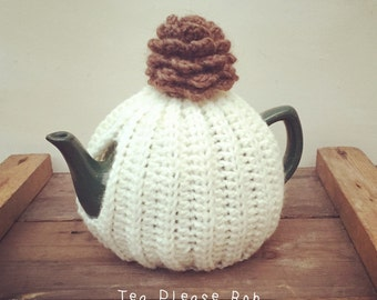Traditional English Tea cosy with pine cone topper. Uk seller