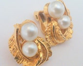 Vintage Gold Tone Pearl and Leaf Clip Earrings