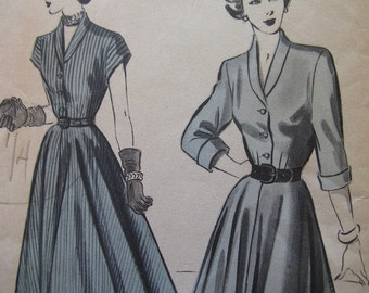Fabulous Vintage 40s Misses' HEAVENLY HOURGLASS Dress Pattern Factory Folded