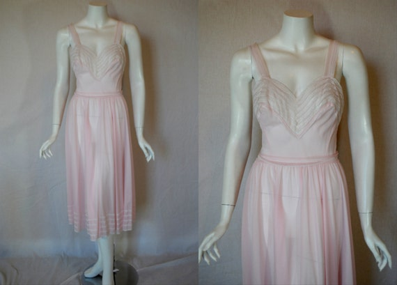 1950s Van Raalte Pink Nightgown,  34, Small, Medium, Sheer Nylon chiffon Lace