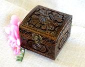 Jewelry box Wooden box Ring box Carved wood box Jewelry boxes Wood carving Wooden boxes Jewellery box Wedding gifts Wood boxes schatulle B4
