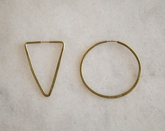 handmade hammered brass circle and triangle earrings