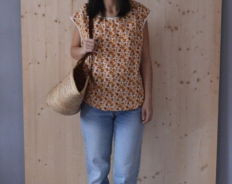 SALE Vintage 70's Cotton Floral Print Top sleeveless tshirt