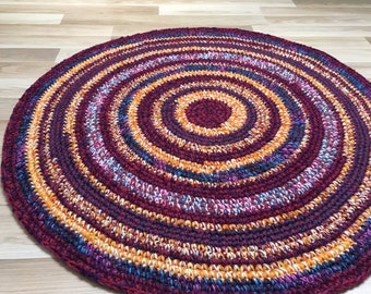 Beautiful hand crochet rug, measures 39 inches or 100 cm in diameter