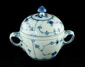"""Vintage Royal Copenhagen """"Blue Fluted"""" Covered Sugar Bowl"""