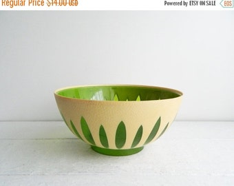 SALE Vintage Regaline Green Plastic Bowl