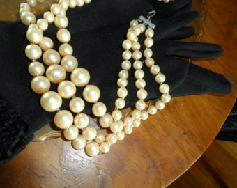 Necklace, 1950s, vintage, classic, triple-strand, faux pearls.