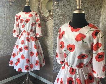 Vintage 1970's 80's White and Red Poppy Print Dress Medium