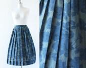 Flower Print 1950s Skirt / 1950s Pleated Skirt / High Waisted Skirt / Olive and Blue / Small Medium / 27 waist / 28 Waist / 1950s 1960s