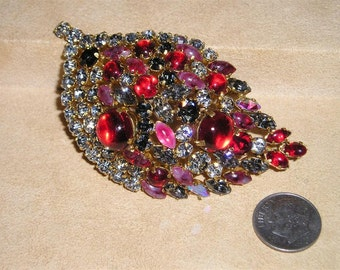Vintage Unsigned Austria Brooch With Black Diamond Rhinestones And Red Glass Cabochons 1950's Pin Jewelry 1013