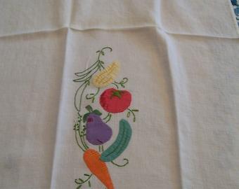 Vintage Vegetable Towel Retro Decorative Towel 1960s Veggies