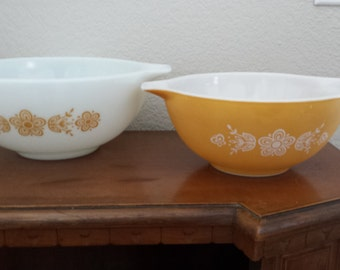 Set of Two Pyrex  Gold Butterfly Mixing Bowls