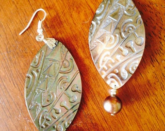 Gorgeous mother of pearl earrings