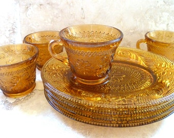 8 Piece Vintage Snack Set Gold Amber Sandwich Indiana Depression Glass Cups and Plates