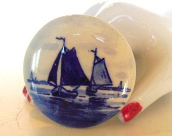 Vintage Delft Porcelain Brooch Boats Ocean Blue White 60's (item 162)