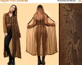 15% OFF 1DAY SALE 90s Vtg Brown Snakeskin Chiffon Kimono Robe Floor Length Layering Sheer Duster Jacket / 3 Button Front Grunge Boho Collare