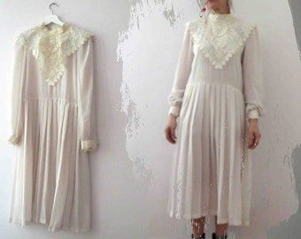 Vintage 70s 80s Ivory White Semi Sheer Pleated Dress  Lace Collar Edwardian Dolly Dress Medium